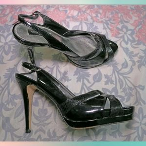 WHITE HOUSE BLACK MARKET Vera Black Heels Shoes 9
